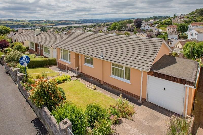2 Bedrooms Detached Bungalow for sale in Bronescombe Avenue, Bishopsteignton, Teignmouth
