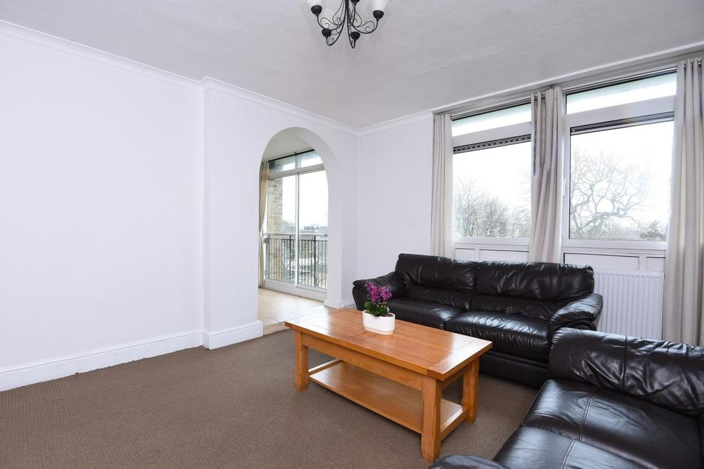 2 Bedrooms Flat for sale in Tilford Gardens, Southfields, SW19