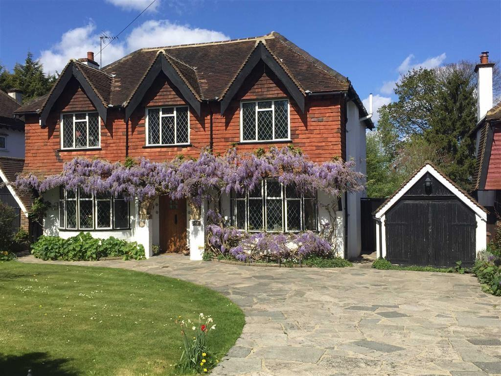 5 Bedrooms Detached House for sale in The Green, Epsom, Surrey