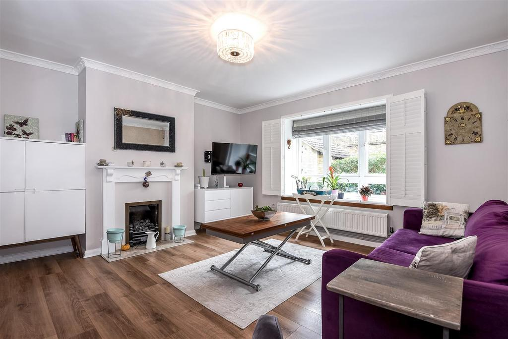 2 Bedrooms Flat for sale in Station Road, Barnes