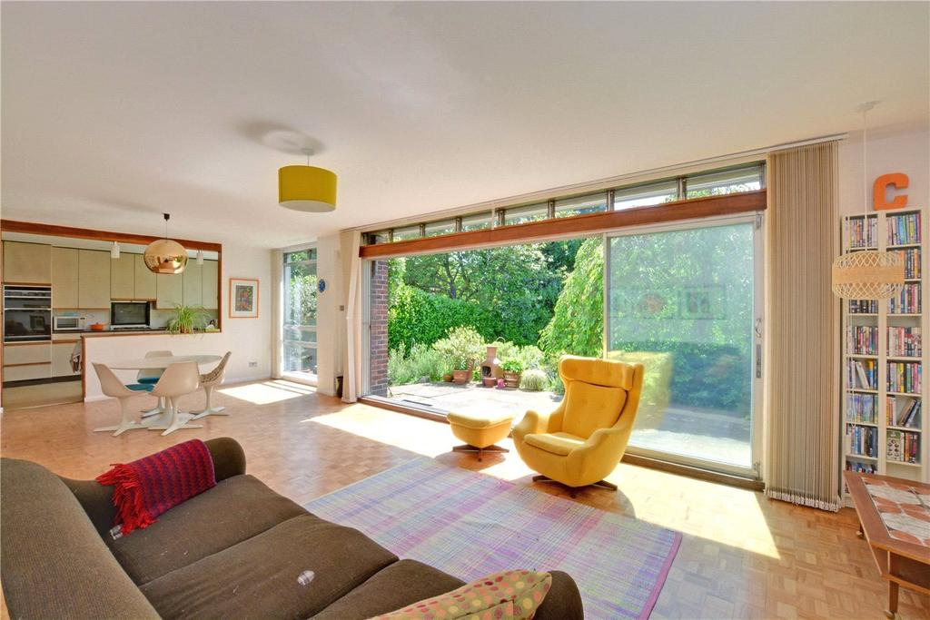 5 Bedrooms Detached House for sale in Yester Road, Chislehurst, BR7