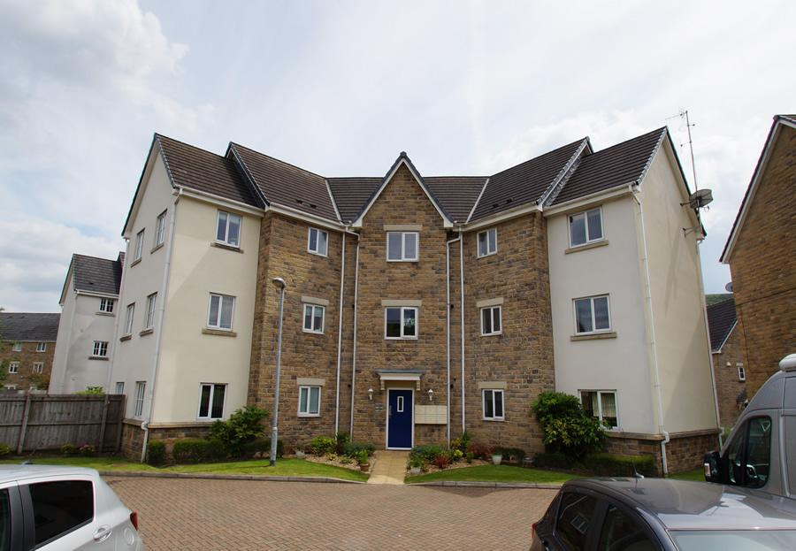 2 Bedrooms Ground Flat for sale in Vale View, Mossley OL5