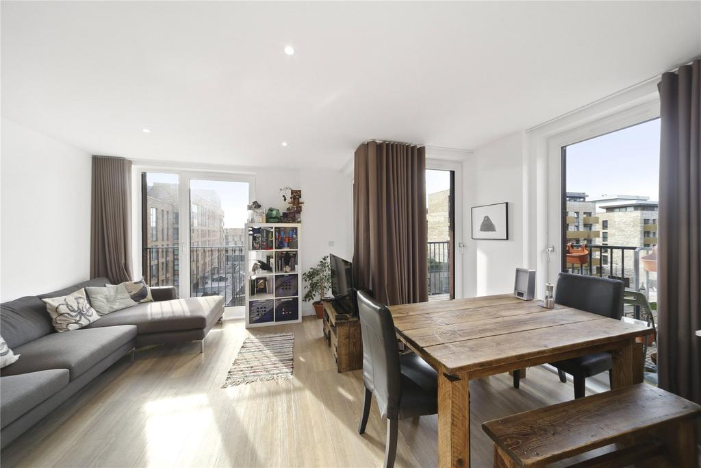 2 Bedrooms Flat for sale in Royal Victoria Gardens, Marine Wharf, London, SE16