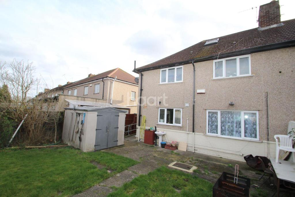 4 Bedrooms End Of Terrace House for sale in Oatlands Drive