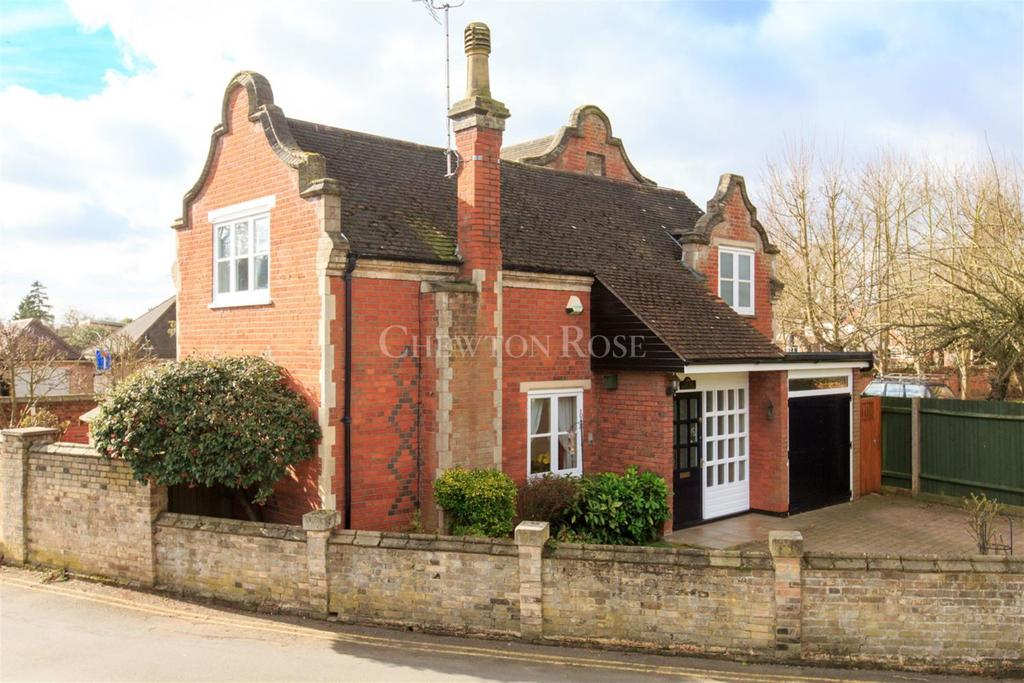 3 Bedrooms Detached House for sale in Lexden