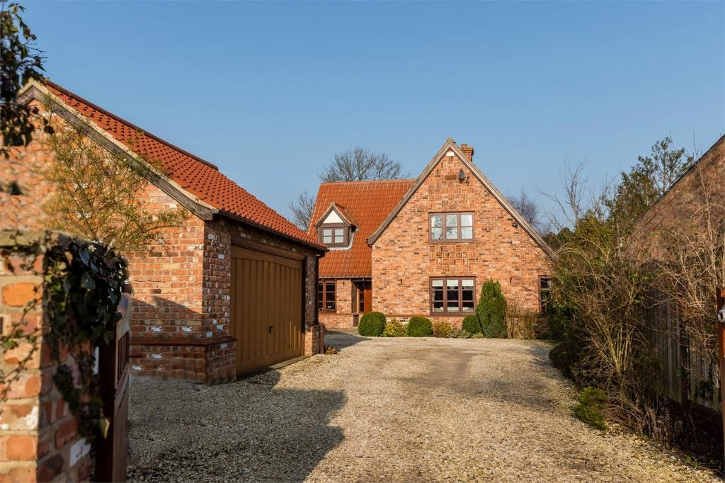 4 Bedrooms Detached House for sale in Ashbrook, Long Lane, Wistow, SELBY, North Yorkshire