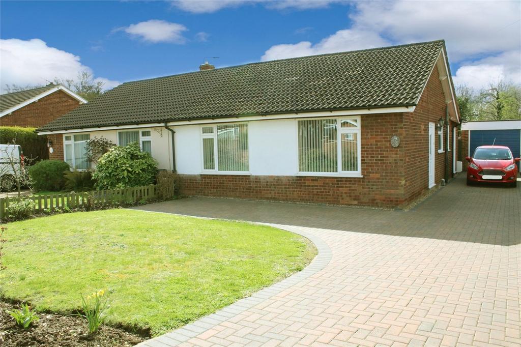 3 Bedrooms Semi Detached Bungalow for sale in Biggleswade, Bedfordshire