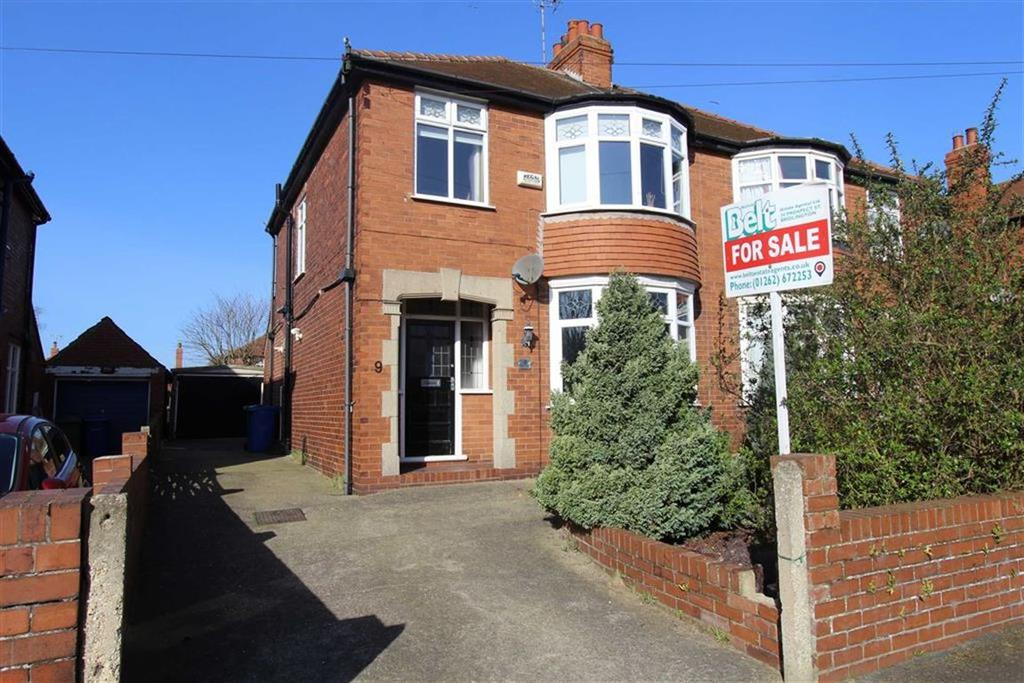 3 Bedrooms Semi Detached House for sale in Lambert Road, Bridlington, East Yorkshire, YO16
