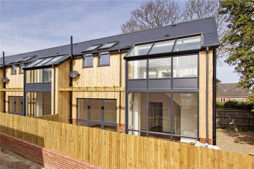 2 Bedrooms End Of Terrace House for sale in High Street, Edenbridge, Kent