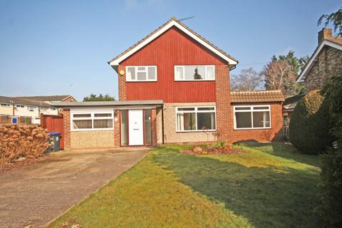 4 bedroom detached house to rent - Mayflower Way, Beaconsfield, HP9
