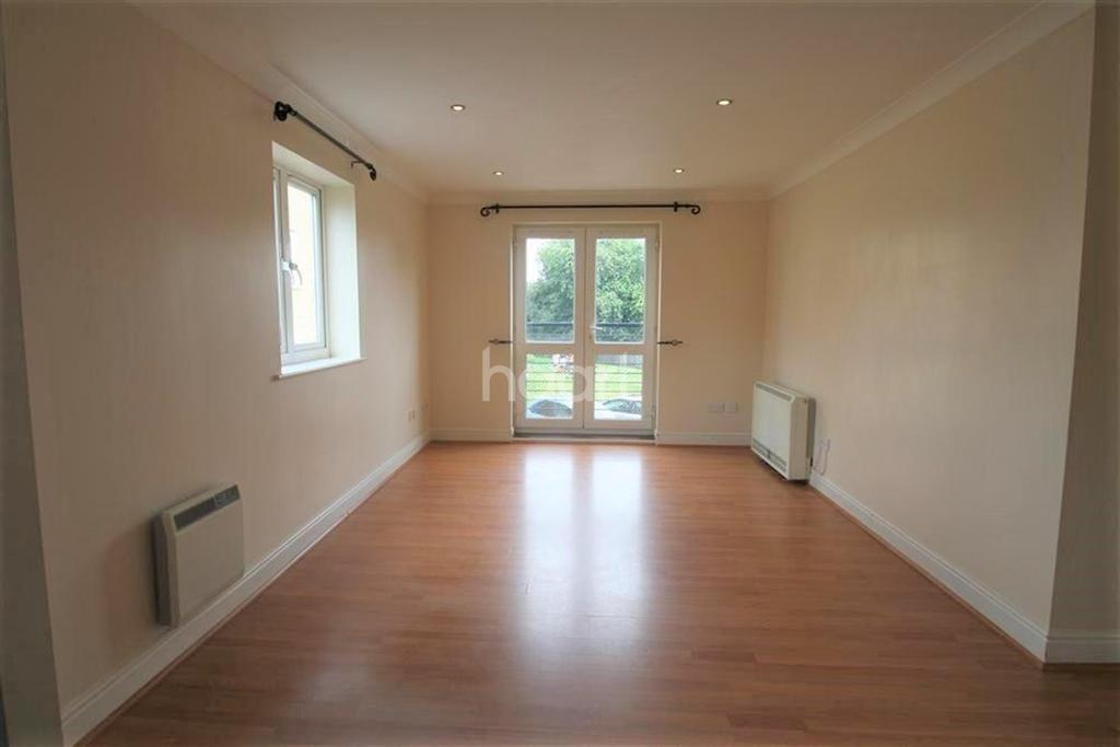 3 Bedrooms Flat for rent in Central Colchester