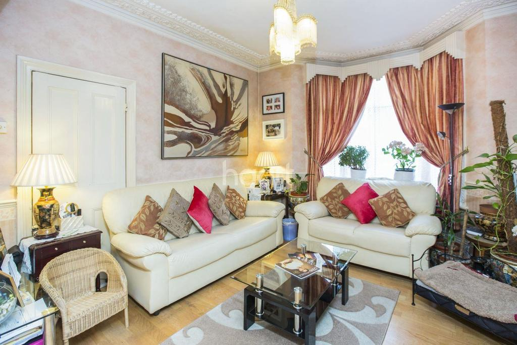 3 Bedrooms Terraced House for sale in Cranbrook Park, Wood Green, N22
