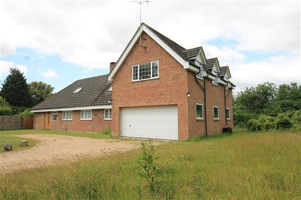 5 Bedrooms House for sale in Foorsat, Hollywater Road, Bordon