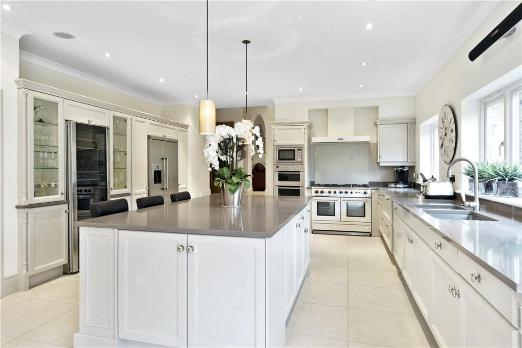 6 Bedrooms Detached House for sale in Green Lane, Cobham, Surrey, KT11