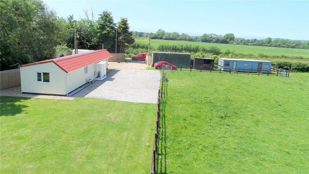 2 Bedrooms Equestrian Facility Character Property for sale in Box Bush Lane, Hewish, North Somerset, BS24