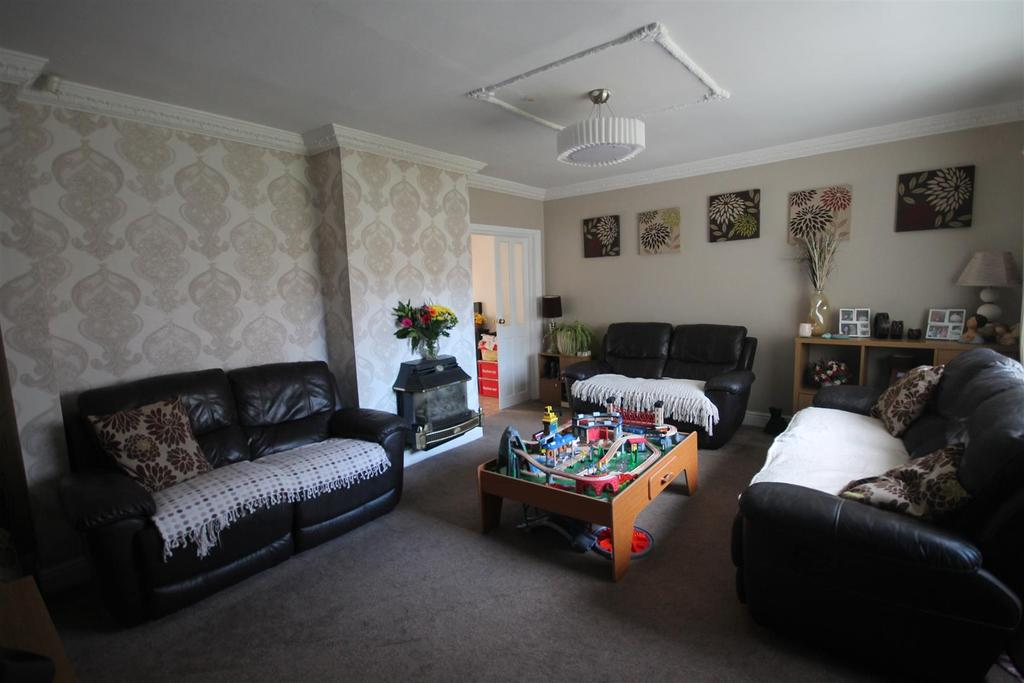 4 Bedrooms House for sale in Hereford Close, Middlesbrough
