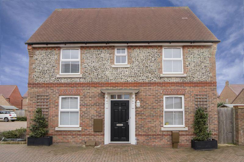 3 Bedrooms Detached House for sale in Sloe Gardens, Felpham