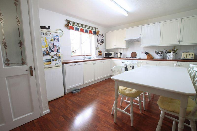 3 Bedrooms Terraced House for sale in Menai Bridge, Anglesey