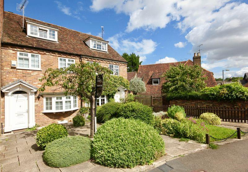 3 Bedrooms Town House for sale in Pickford Road, Markyate ****NO UPPER CHAIN****