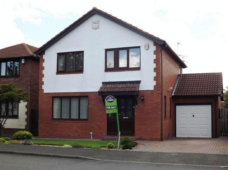 4 Bedrooms Detached House for sale in Langton Drive, Cramlington - Four Bedroom Detached House