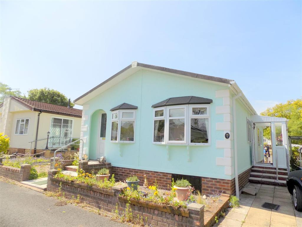 2 Bedrooms House for sale in Greenhedges, Neath Road, Neath