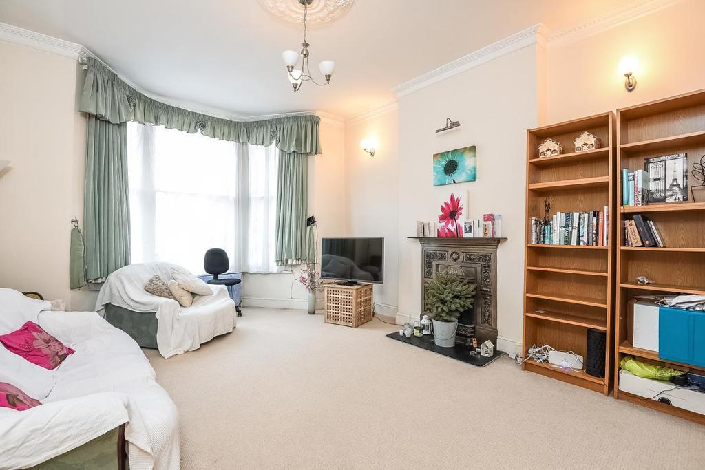 3 Bedrooms Maisonette Flat for sale in Weltje Road, Hammersmith