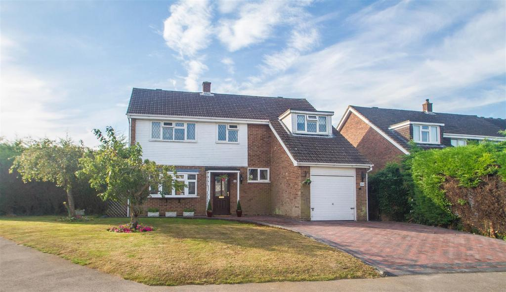 4 Bedrooms Detached House for sale in Birling Avenue, Bearsted, Maidstone