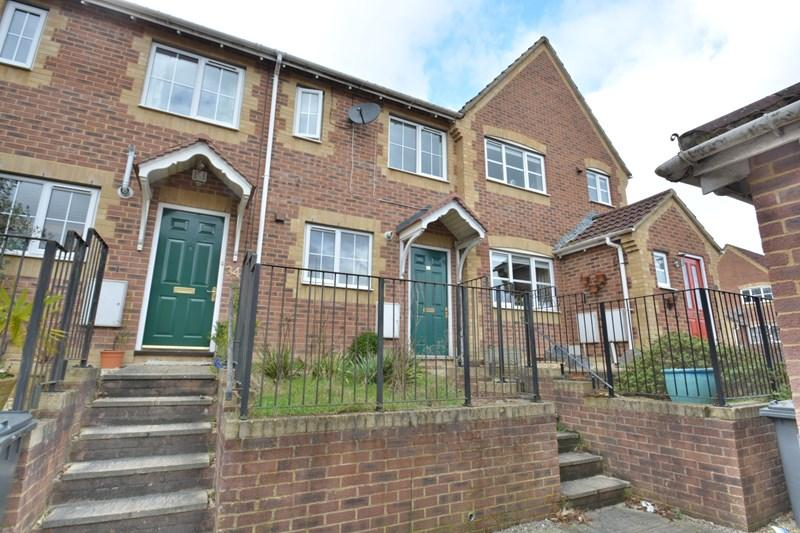 2 Bedrooms Terraced House for sale in The Ramparts, Andover
