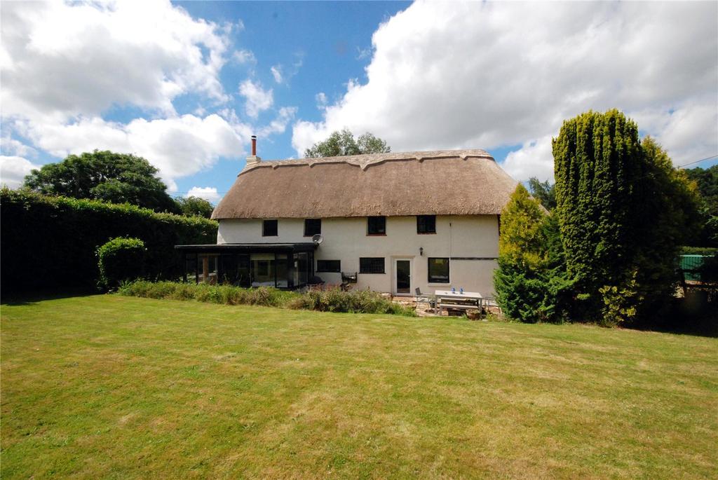 3 Bedrooms Detached House for sale in Hillbury Road, Alderholt, Fordingbridge, Hampshire, SP6