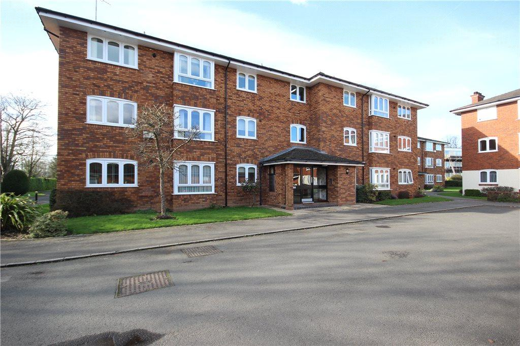 2 Bedrooms Apartment Flat for sale in Queens Court, Alderham Close, Solihull, West Midlands, B91
