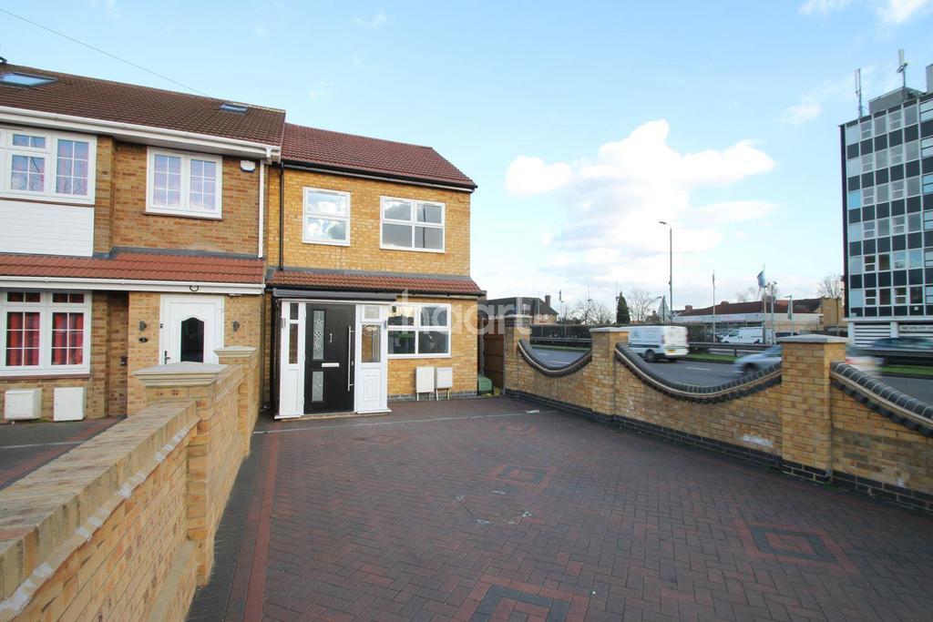 3 Bedrooms End Of Terrace House for sale in Avenue Terrace, Crownfield Avenue