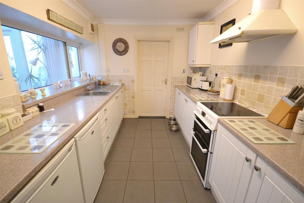 4 Bedrooms Terraced House for sale in Prospect Place, Pembroke Dock
