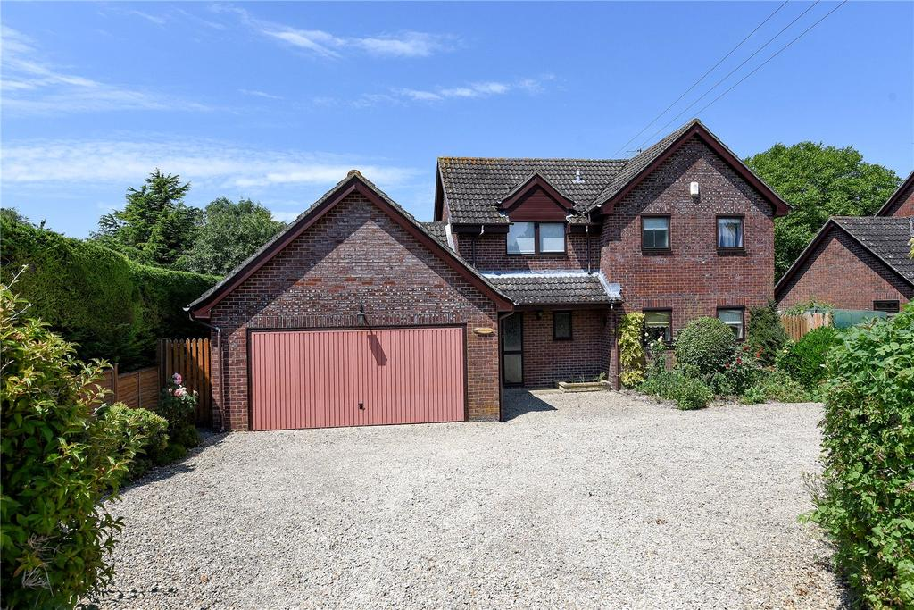 4 Bedrooms Detached House for sale in Marlborough Road, Ogbourne St George, Marlborough, Wiltshire