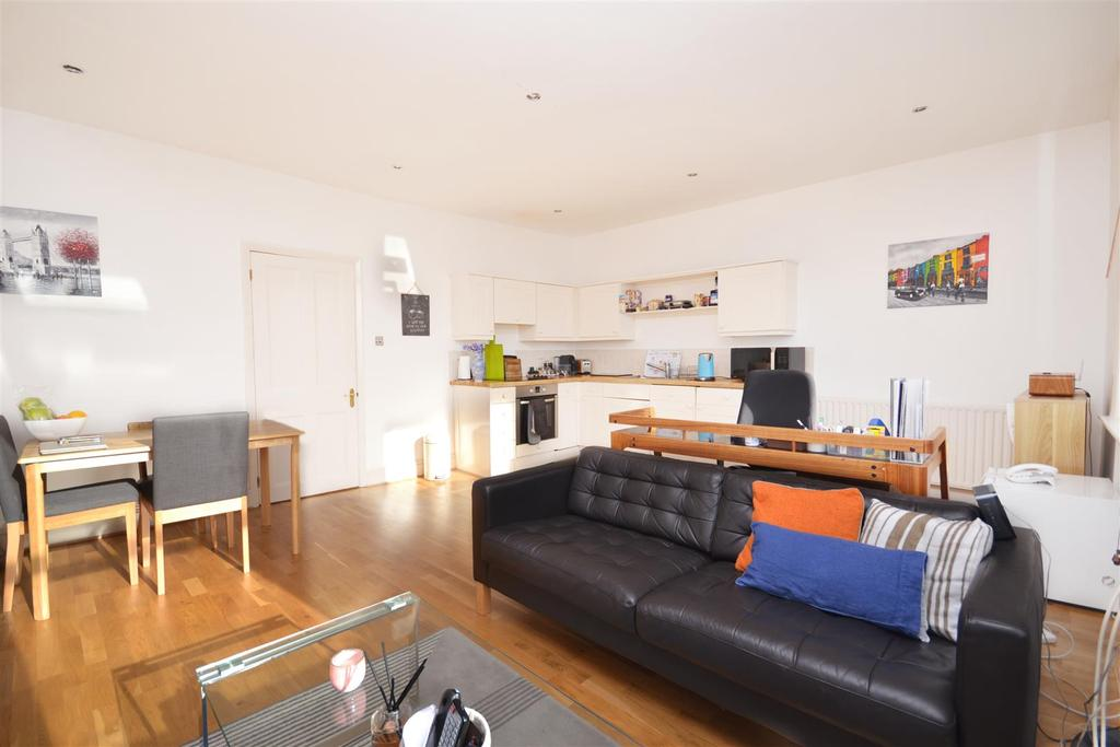 1 Bedroom Flat for sale in St. George's Drive, London, SW1V