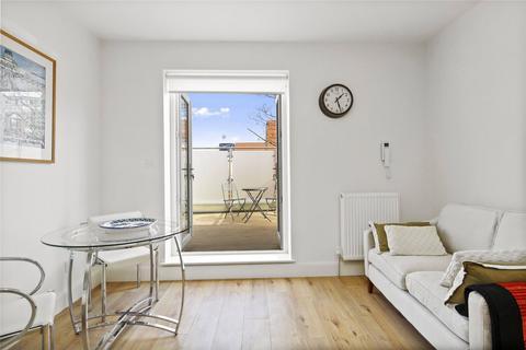 1 bedroom flat to rent - Collingbourne Road, London, W12