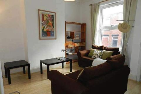 4 bedroom terraced house to rent - Burley Lodge Terrace, Hyde Park