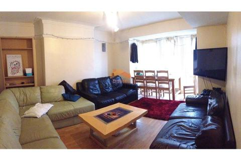 6 bedroom house share to rent - Estcourt Avenue, Headingley