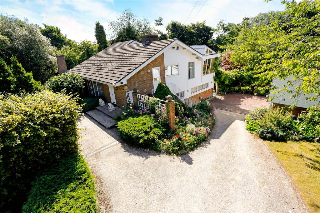 5 Bedrooms Detached House for sale in Winter Hill, Cookham, Maidenhead, Berkshire, SL6