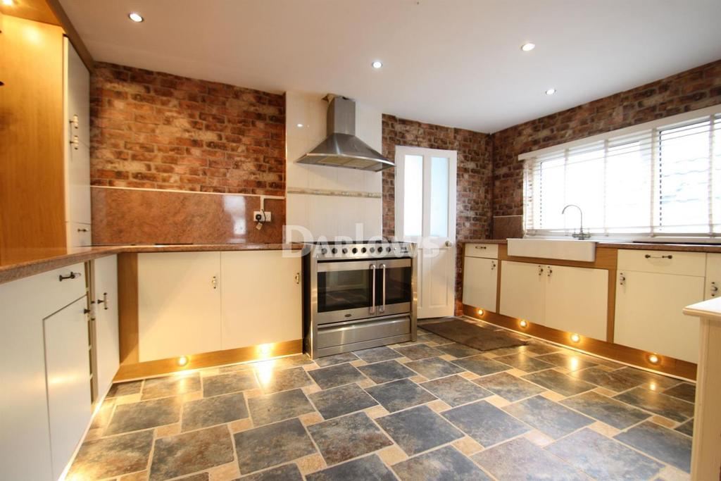 2 Bedrooms Terraced House for sale in Charles Street, Tonypandy