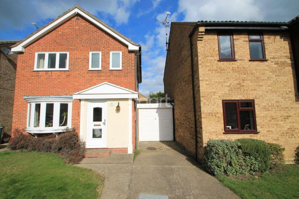 3 Bedrooms Detached House for sale in Byfield, Leigh-On-Sea