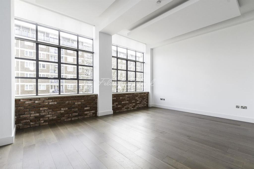 2 Bedrooms Flat for sale in The Textile Building, Chatham Place, Hackney, E9