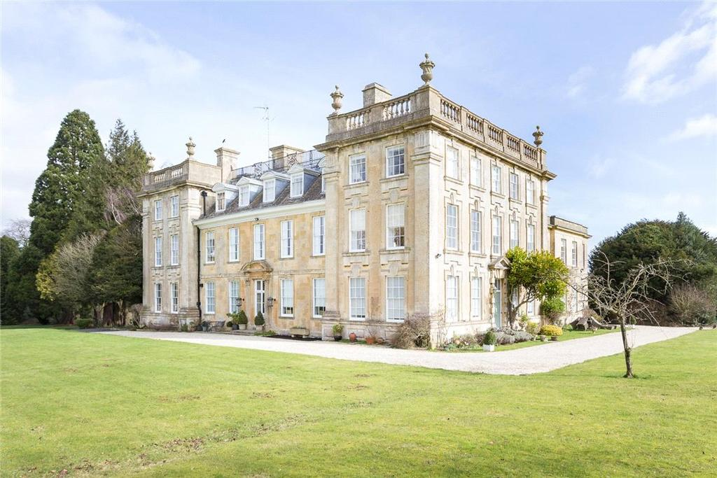3 Bedrooms Maisonette Flat for sale in Sandywell Park, Whittington, Cheltenham, Gloucestershire, GL54