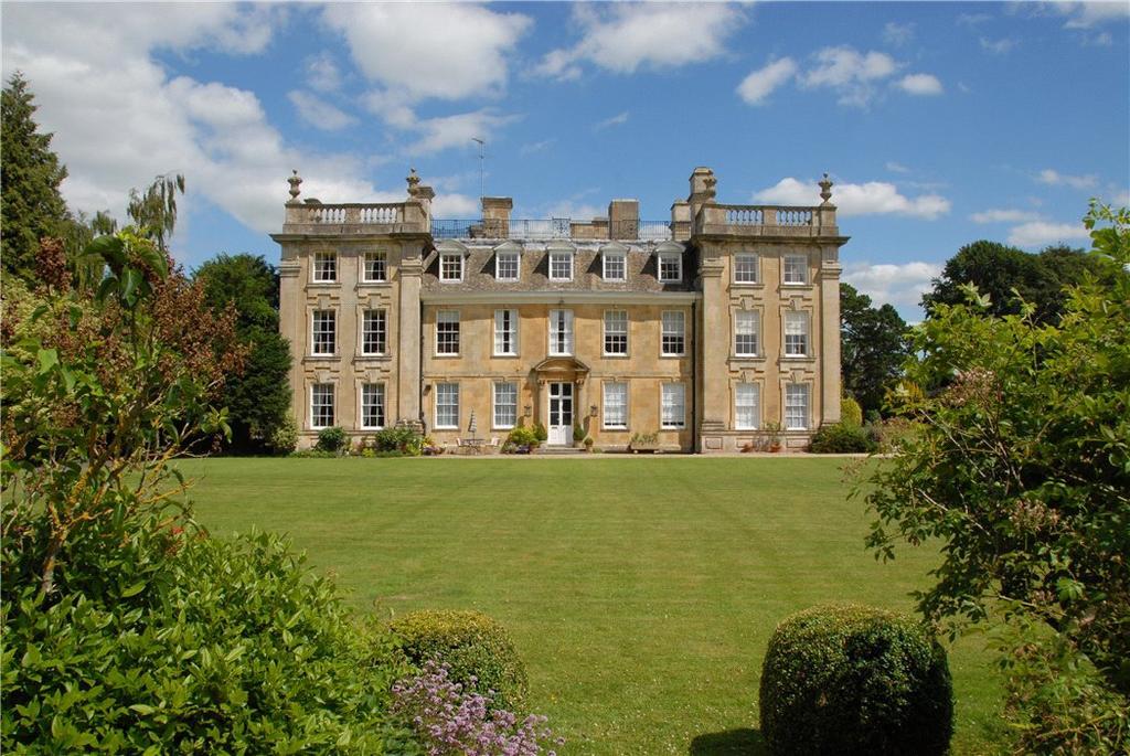 3 Bedrooms Flat for sale in Sandywell Park, Whittington, Cheltenham, Gloucestershire, GL54