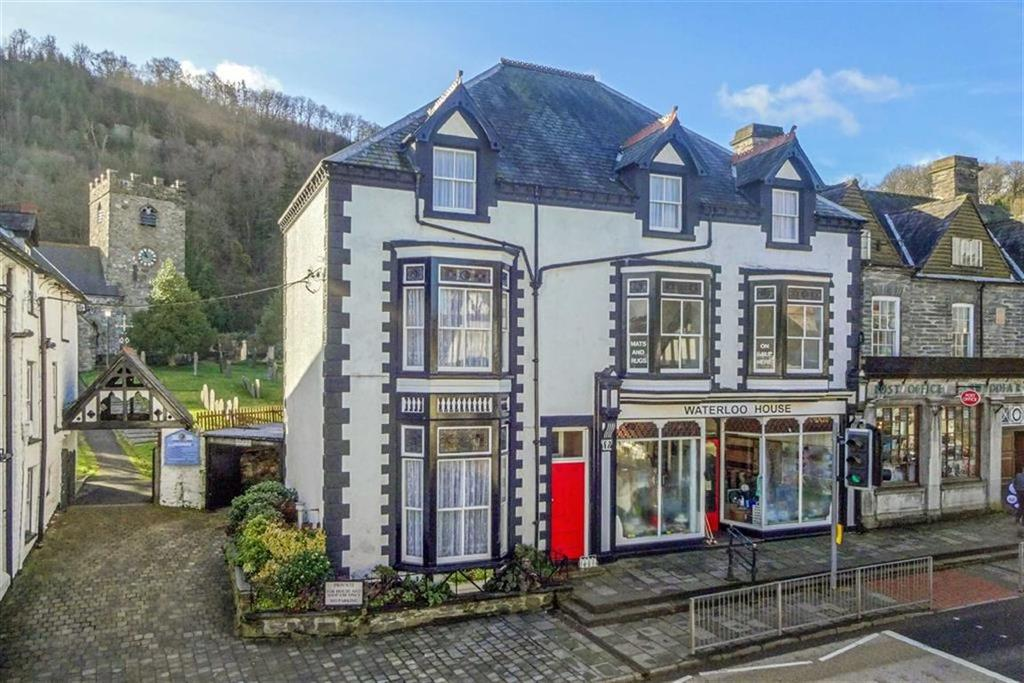 5 Bedrooms House for sale in The Square, Corwen, Corwen