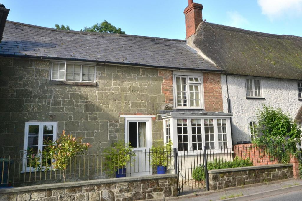 3 Bedrooms Terraced House for sale in Butts Knapp, Salisbury Road, Shaftesbury, Dorset, SP7