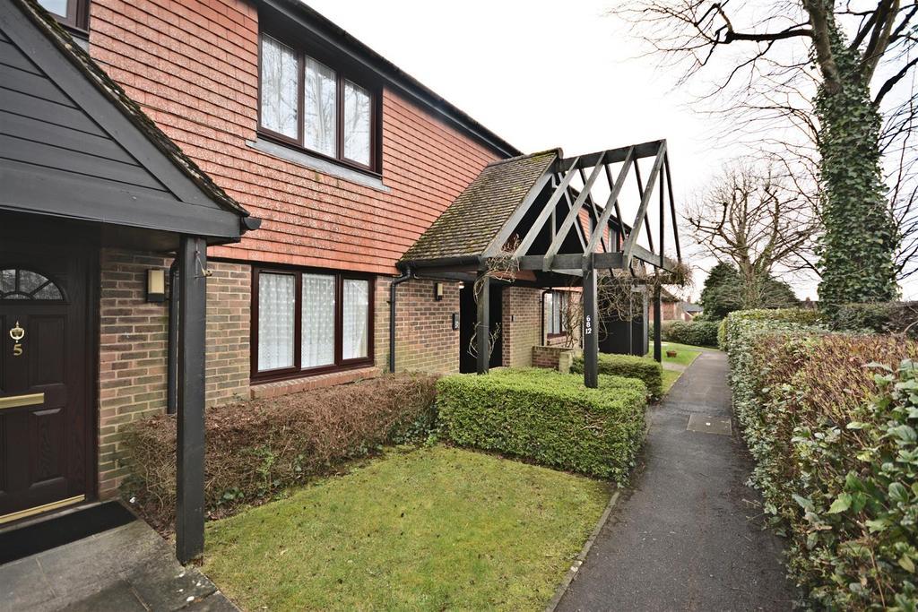 2 Bedrooms Retirement Property for sale in Market Road, Battle