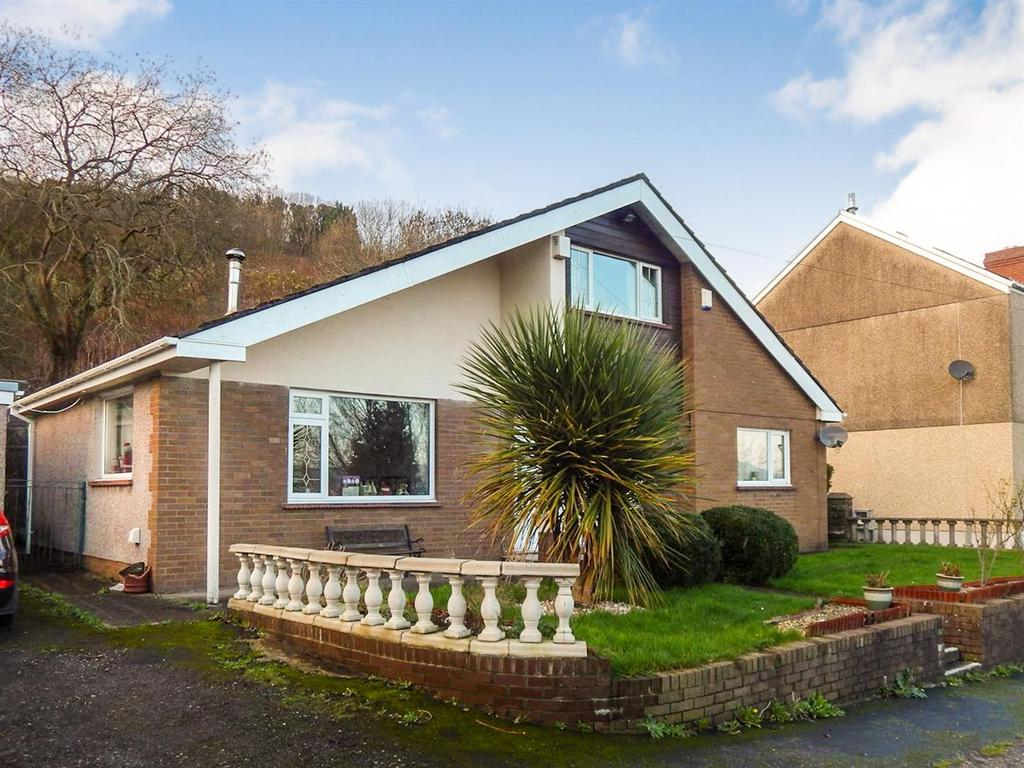 4 Bedrooms Detached House for sale in Davids Terrace, Morriston, Swansea