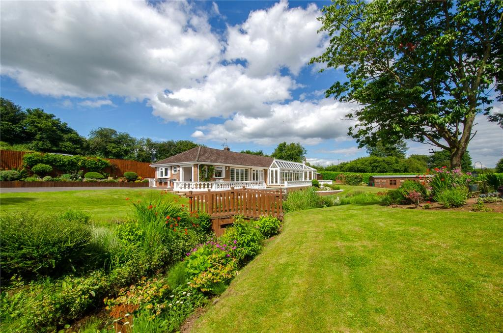 4 Bedrooms Detached Bungalow for sale in Stanford Bridge, Worcestershire