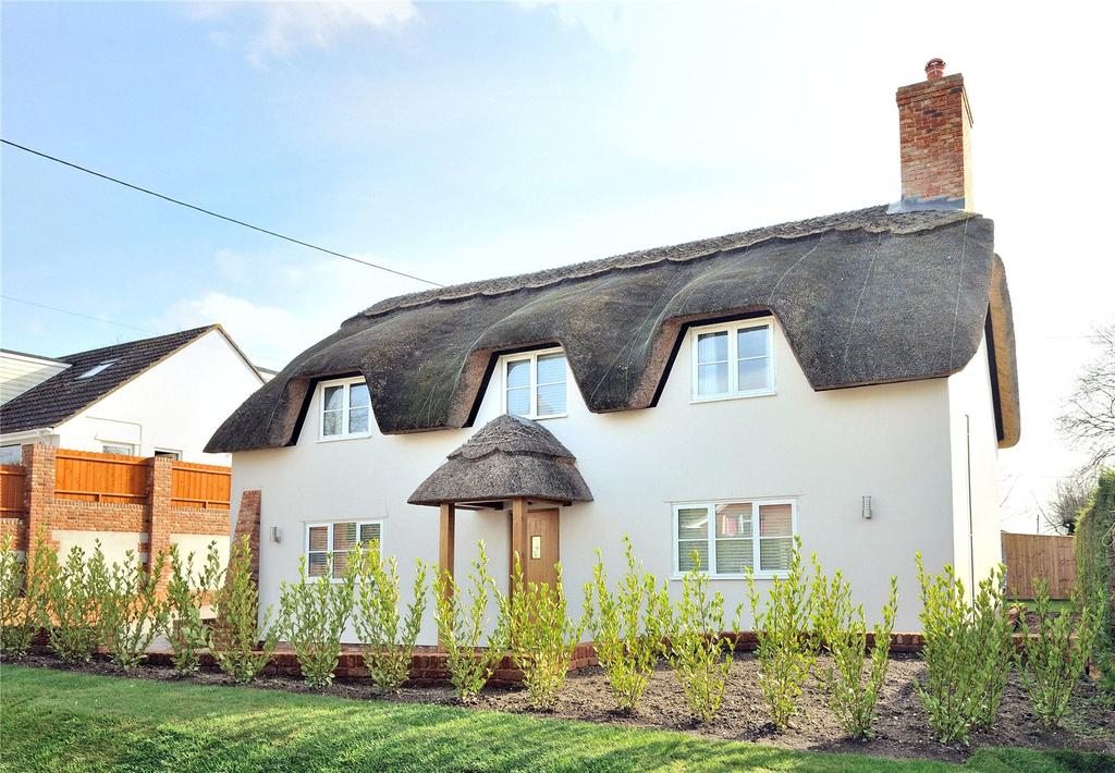 3 Bedrooms Detached House for sale in Little England, Milborne St. Andrew, Blandford Forum, Dorset