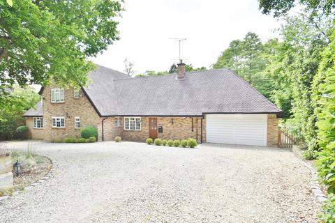 6 bedroom detached house to rent - Hill Waye, Gerrards Cross, SL9